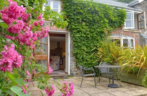 Last Minute Cottages - Captivating Newton Abbot Cottage S44181