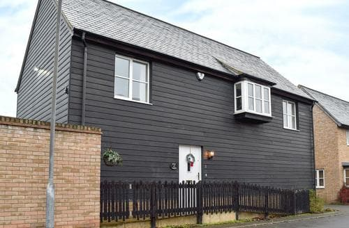 Last Minute Cottages - Cosy Cambridge Apartment S24903