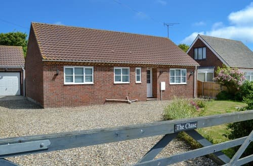 Last Minute Cottages - Inviting Happisburgh Cottage S94676