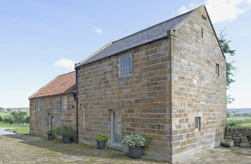 Last Minute Cottages - Dale House