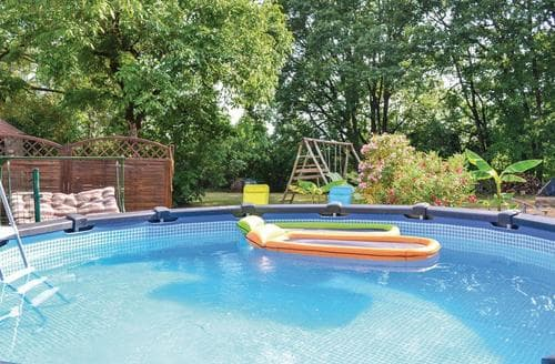 Last Minute Cottages - Au Bord du Village