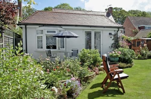 Last Minute Cottages - Little Annexe