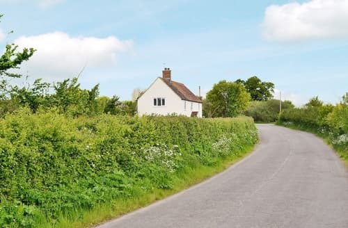Last Minute Cottages - Charming Chard Cottage S20084