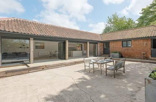 Last Minute Cottages - Inviting Melton Constable Cottage S100982