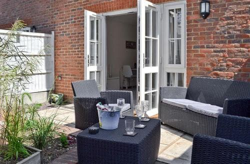Dog Friendly Cottages - Gorgeous Whitstable Cottage S82985