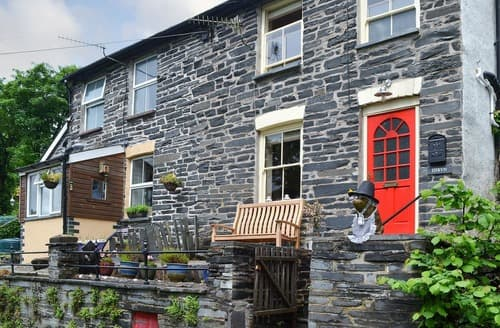Last Minute Cottages - Excellent Dolgellau And Coed Y Brenin Forest Park Cottage S102825