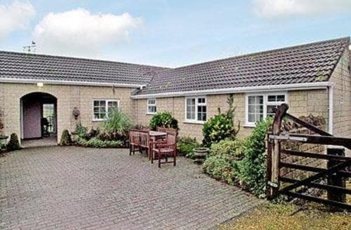 Last Minute Cottages -  2 Luckington Stables-W8322