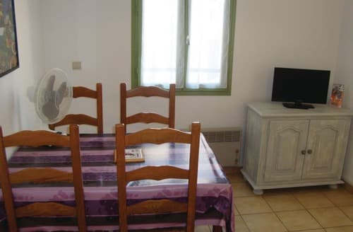 Last Minute Cottages - Baixas 2