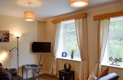 Last Minute Cottages - Attractive Swansea Cottage S86294