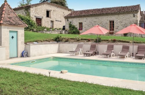 Last Minute Cottages - Chez Hirondelles