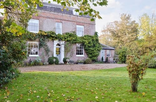 Last Minute Cottages - The Old Vicarage