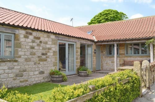 Last Minute Cottages - Lovely Kirkbymoorside Cottage S15231