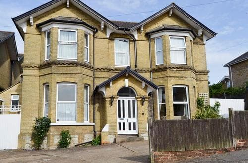 Last Minute Cottages - Inviting Shanklin Apartment S14327