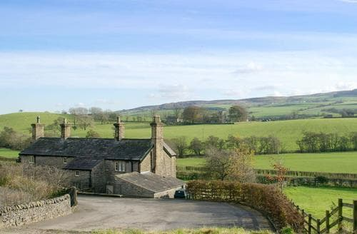 Dog Friendly Cottages - Quaint Skipton Cottage S88238