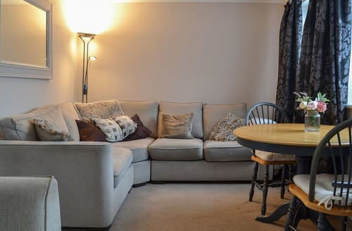 Last Minute Cottages - Ely Retreat