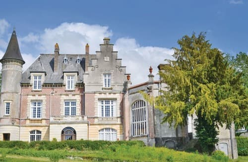 Last Minute Cottages - Chateau Marconne