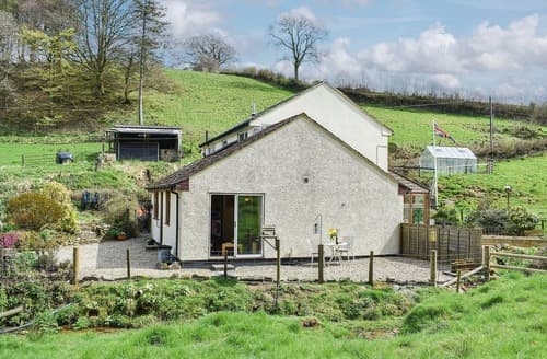 Dog Friendly Cottages - Hedgerows