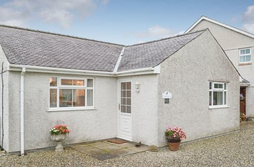 Last Minute Cottages - Y Bwthyn