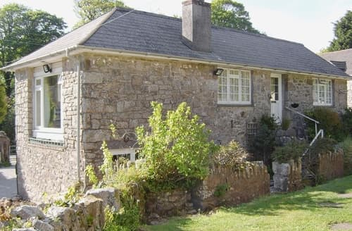 Last Minute Cottages - Mowie Cottage-W42873