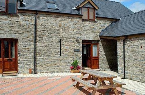 Last Minute Cottages - Lovely Aberystwyth Cottage S21524