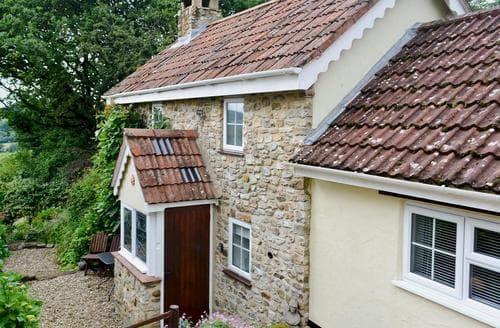 Last Minute Cottages - Oak Apple Cottage
