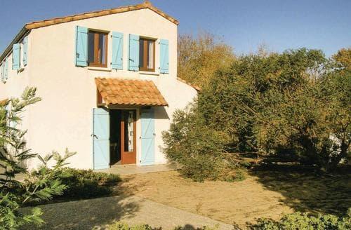 Last Minute Cottages - Captivating La Tranche Sur Mer Cottage S119464