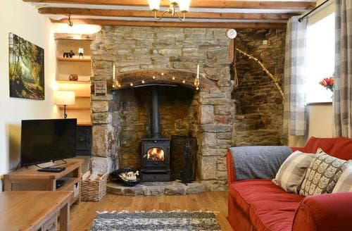 Last Minute Cottages - Dean Cottage