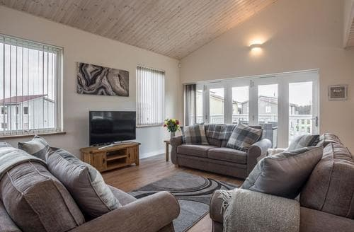Last Minute Cottages - Luxury Great Yarmouth Cottage S88928