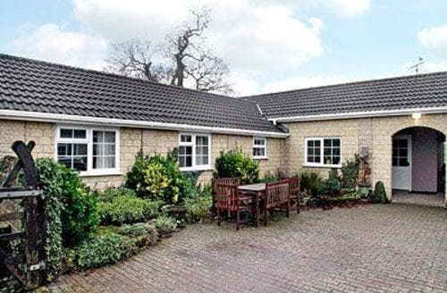 Last Minute Cottages - 1  Luckington Stables-W8321