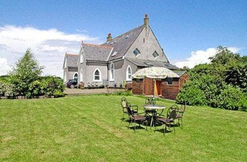 Last Minute Cottages - Chapel House