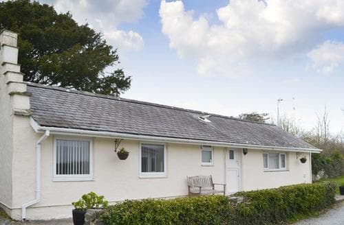 Last Minute Cottages - Plas Cottage