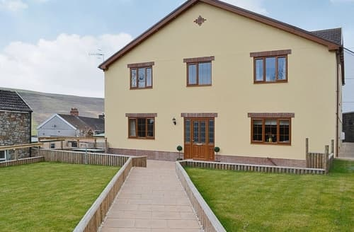 Last Minute Cottages - Cosy Cardiff Cottage S26311