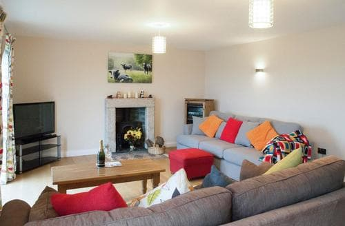 Last Minute Cottages - Harrowbeard House