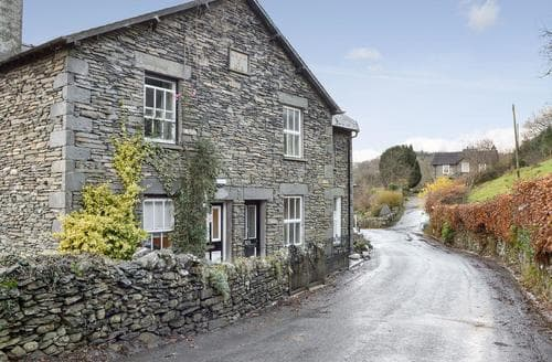 Last Minute Cottages - Wonderful Bowness On Windermere Cottage S89460