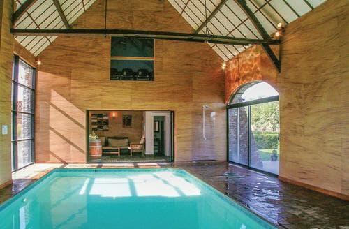Last Minute Cottages - La Maison Chic