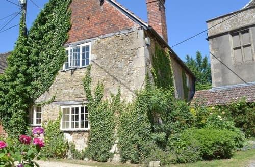 Last Minute Cottages - Luxury Trowbridge Cottage S13747
