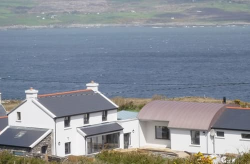Last Minute Cottages - Stunning Goleen Cottage S33772