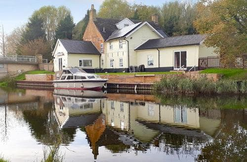 Last Minute Cottages - Cosy King's Lynn Cottage S77196