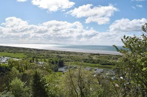 Last Minute Cottages - Excellent Laugharne And Llansteffan Apartment S85320