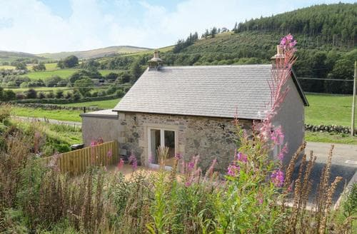 Last Minute Cottages - Beautiful Peebles Cottage S89083