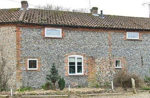Last Minute Cottages - Quaint Holt Cottage S17345