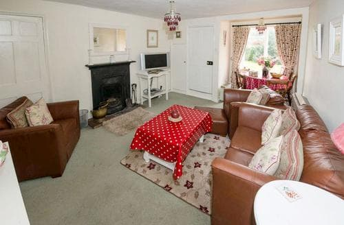 Last Minute Cottages - Adorable Blakeney Apartment S93321