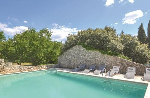 Last Minute Cottages - L'Olivier