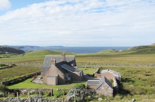 Last Minute Cottages - Inviting Lochinver Cottage S40495