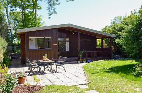 Last Minute Cottages - Captivating Hayle Lodge S81391