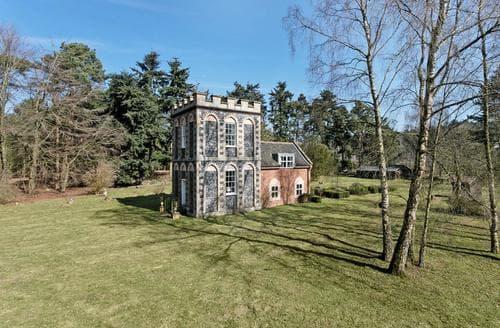 Last Minute Cottages - Falconer's Lodge