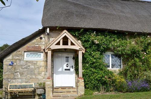 Last Minute Cottages - Captivating Bembridge Cottage S14165