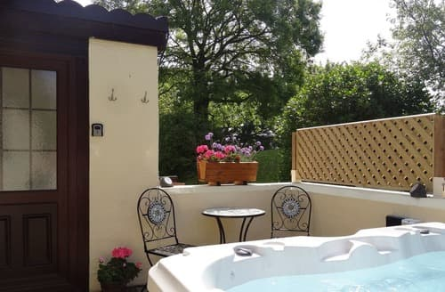 Last Minute Cottages - Captivating Benllech Cottage S96795