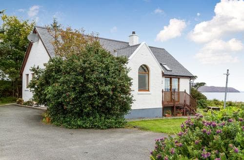 Last Minute Cottages - Superb Sligachan Cottage S22539