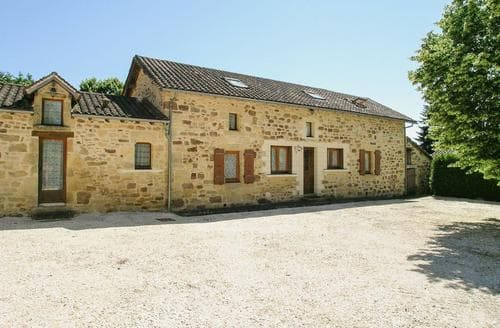 Last Minute Cottages - Cosy Thiviers Cottage S117864